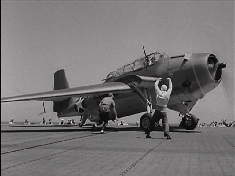 Le porte avion x 1944 au terminus des pr tentieux - Film porte avion voyage dans le temps ...